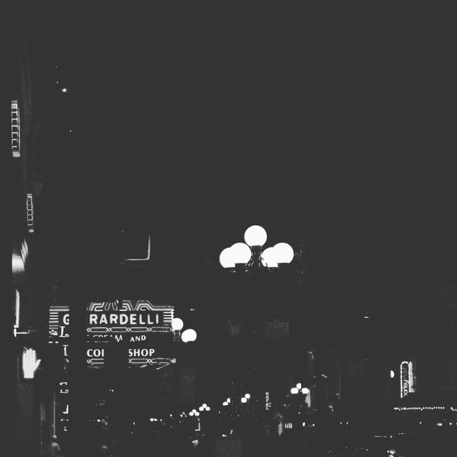Black And White📷 Downtown Lights Phoyography