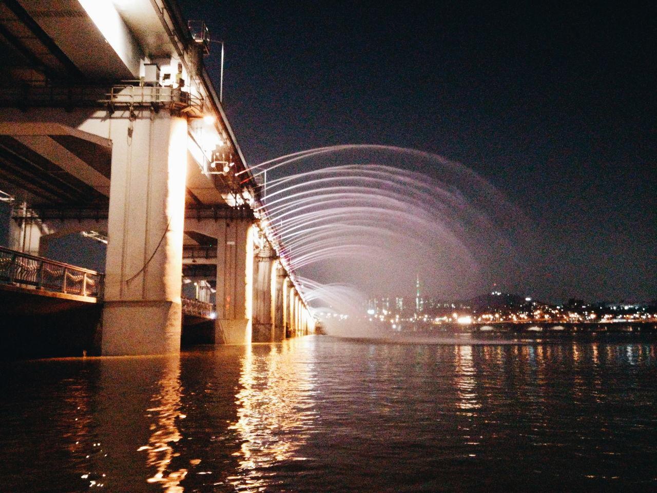 Banpo Hangang Park Banpo Bridge Han River Seoul Han River Night banpo bridge at night Rainbow Fountain Fountain Show