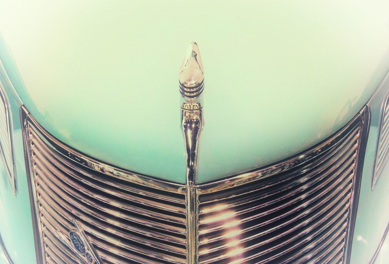 No People Close-up Architecture Day Indoors  Old-fashioned Old Car Ladyphotographerofthemonth Vintage Cars Hood Ornament Luxury Transportation Mode Of Transport Land Vehicle Lighting Equipment Custom Cars Retro Styled Car Shiny Close Up Chrome Hood