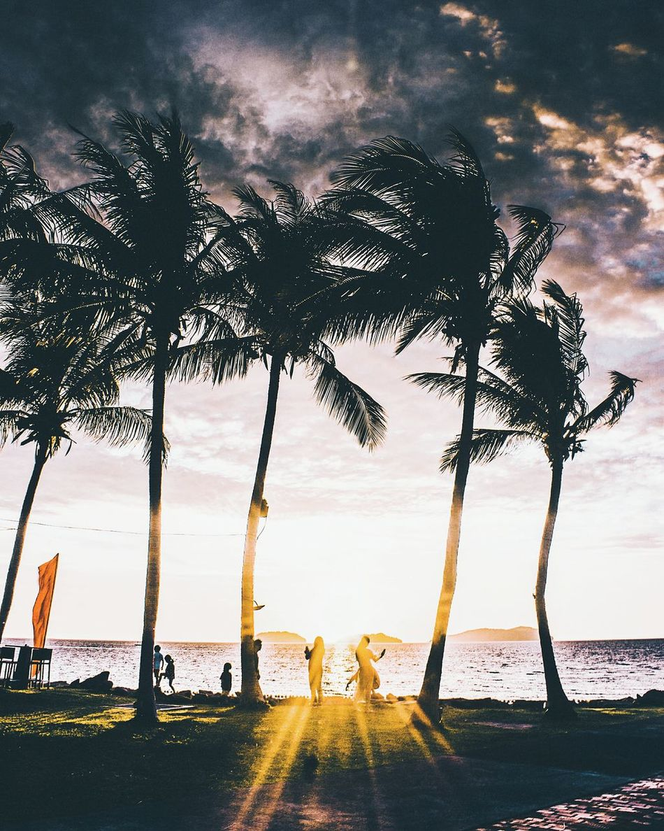enjoy the moment Sunset VisitMalaysia2017 Exploresabah Malaysia Sabah Borneo Moodygrams Artofvisuals Agameoftones Visualambassador Igersmalaya Visualabuse Meistershots Streetdreamsmag Justgoshoot Allshots_ Createcommune Exploretocreate Way2ill Yngkillers Hypebeast  Canonasia CanonCaptures Illgrammers TheCreatorClass Folkmagazine