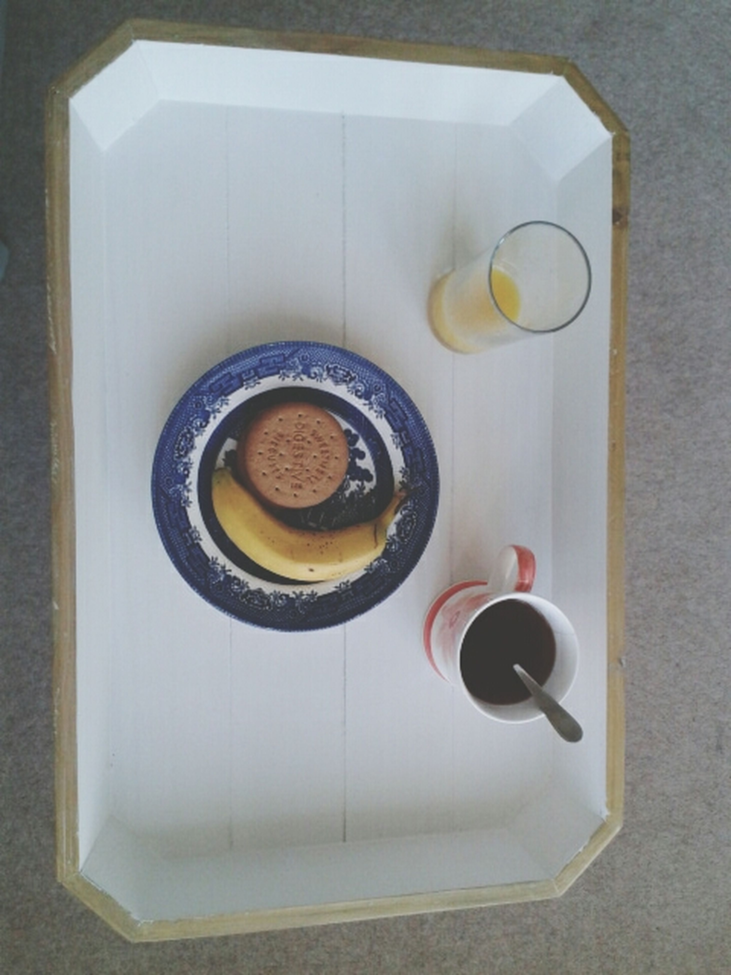 indoors, food and drink, table, still life, directly above, coffee cup, high angle view, drink, freshness, refreshment, food, coffee - drink, cup, plate, coffee, spoon, saucer, no people, overhead view, circle
