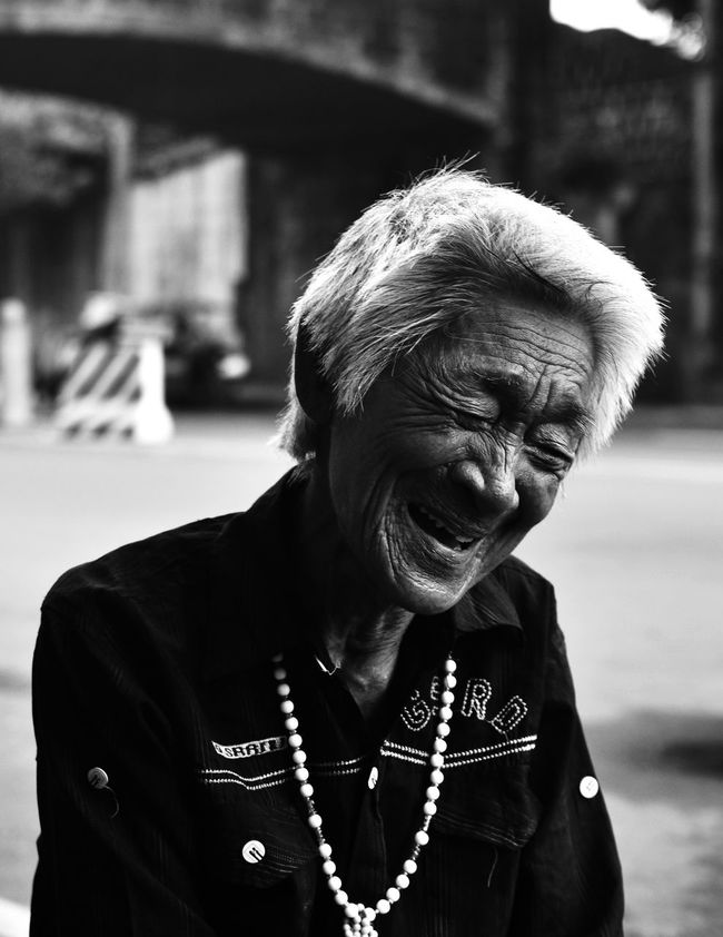 A very strong 93 year old woman who's still working Collecting recycle materials for money. Close-up D3100 EyeemPhilippines Headshot Heartwarming Love Nikon Outdoors Person Philippines Philippines <3 Priceless Streetphotography