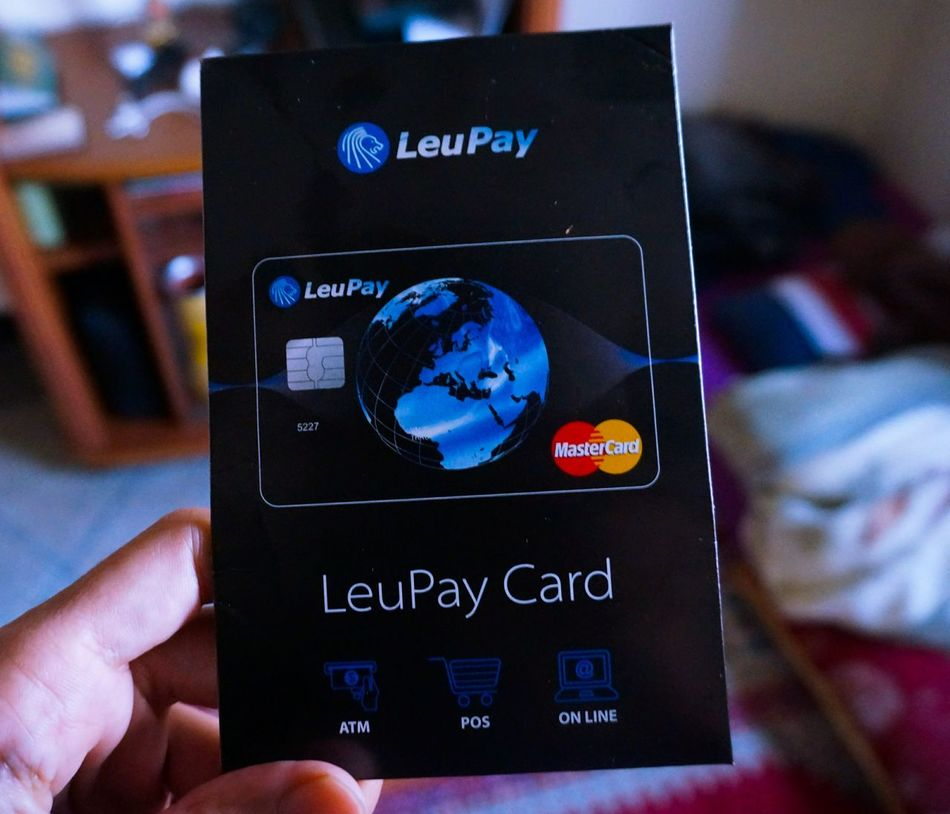 Eeeeeha 🙌 my Leupay card is here 💳 it's time to join the Fintech Movement (Unlike Advcash this didn't take that long to arrive 📬but I get it! It has to do with my geographical position 🌍) Blockchain Banking From Your Phone Bank Of The Future Revolution Offshore Crypto Cryptocurrency Bitcoin Tech Iot Digital Banking Digital Coin CryptoCoin Ai Artificial Intelligence Mobile Payment Nfc Contactless Payement Secure Android Pay Apple Pay Close Up Technology