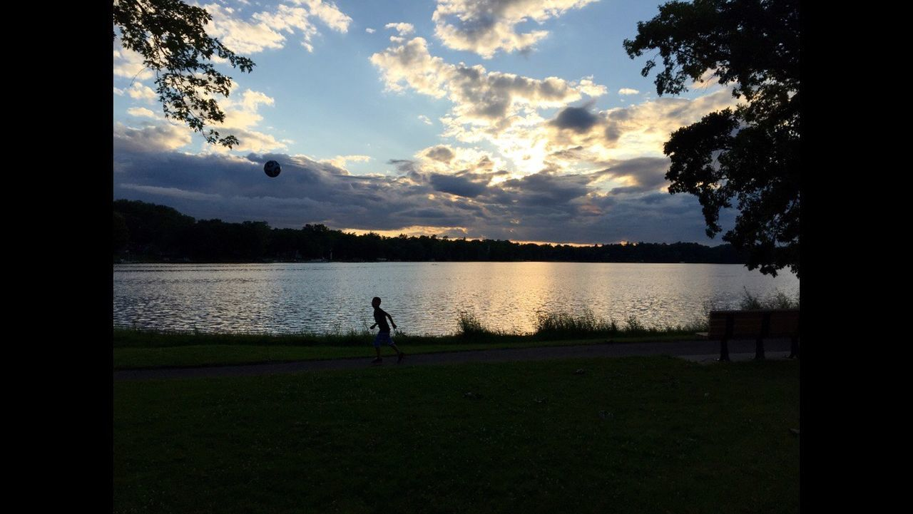 Sunset Minnesotaphotographer Relaxing Street Photography Dusk Sky Lakeside Sunset #sun #clouds #skylovers #sky #nature #beautifulinnature #naturalbeauty #photography #landscape Lake View Sunset Silhouettes Lake Sunset_collection Minnesota Photographer Tranquil Scene