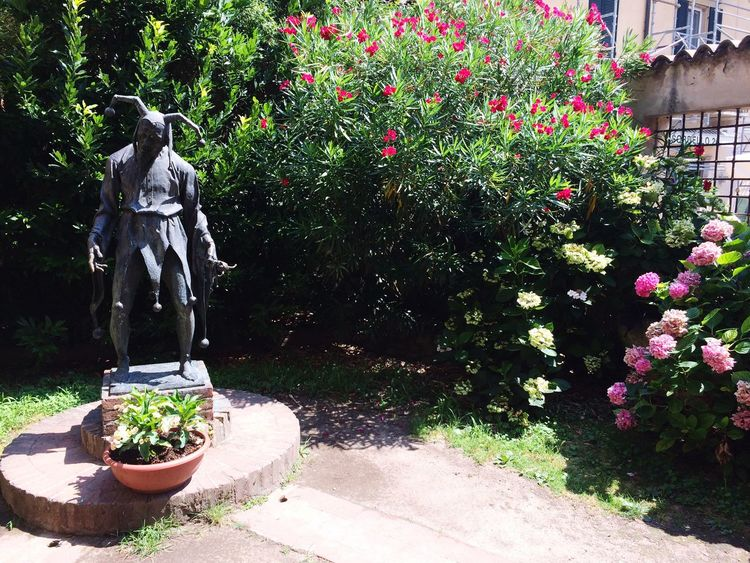 Rigoletto Statue Plant Potted Plant Growth Human Representation Sculpture Day Flower Outdoors Nature Tree No People Beauty In Nature Italy Mantova