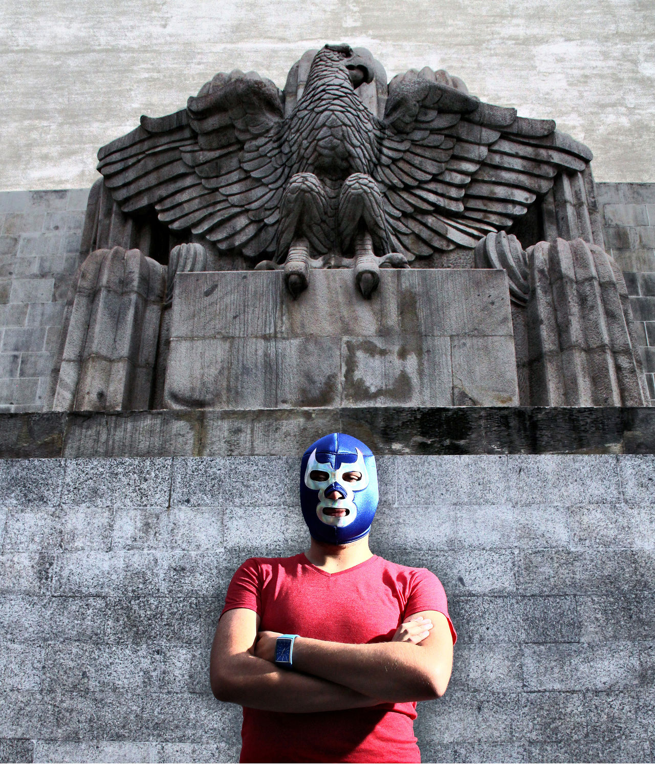 Homenaje al luchador e ídolo popular Blue Demon. Deportista y actor de cine. Blue Demon Blue Demon Tribute Eagle Fake HDR Mask Sports Stone Carving Tribute Wrestling Showcase June