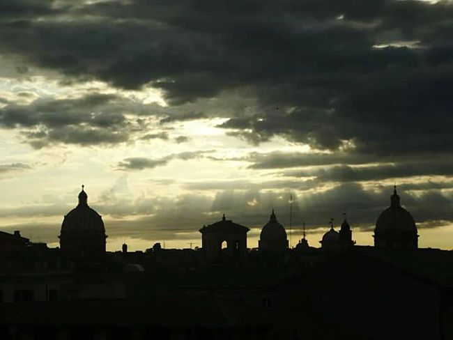 Rome By Night Romebynight Rome View Rome, Italy Rome Italy Rome Roma, Italy Roma♥ Roma Sillhouette Sillouette Sunset And Clouds  Enjoying Life Beautiful Sunset Sunset #sun #clouds #skylovers #sky #nature #beautifulinnature #naturalbeauty #photography #landscape Sunset Silhouettes Sunsets Sunset_collection Sunset