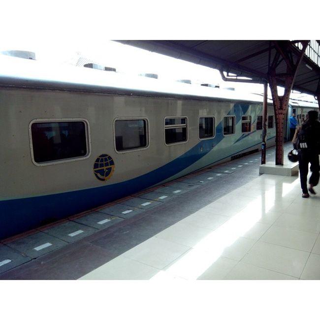 Late holiday✌ lets go apple townGaseru Kereta Kere Jalanjalan indonesia indonesiabagus