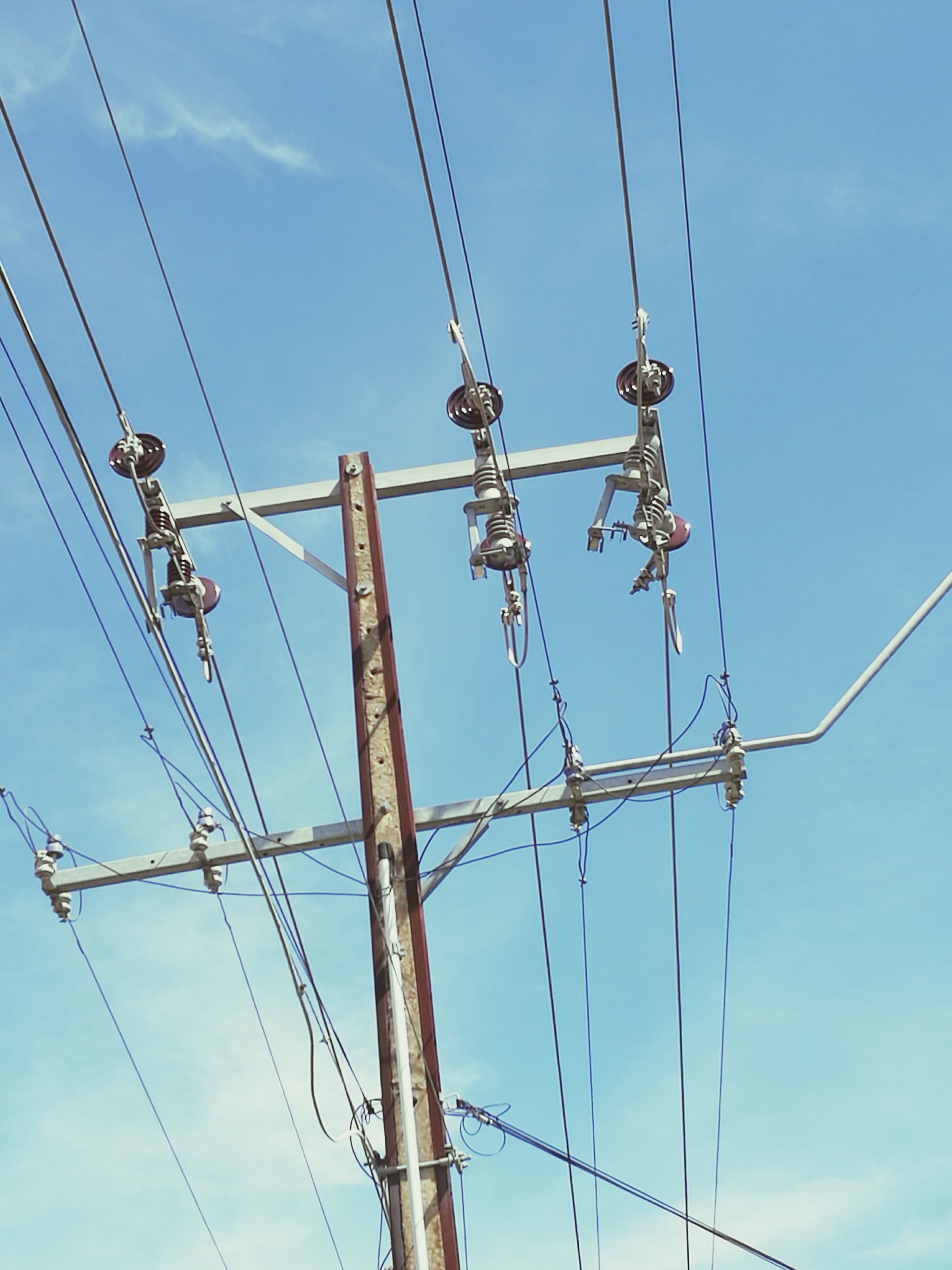 cable, low angle view, electricity, power supply, sky, connection, power line, electricity pylon, complexity, no people, day, outdoors, technology