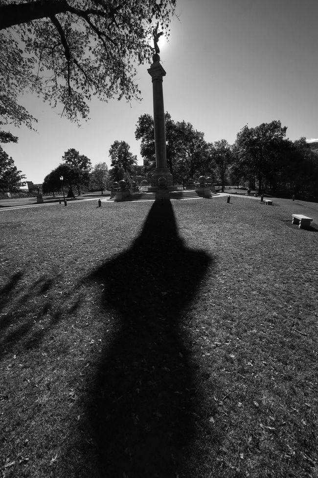 Monumental Bnw_friday_eyeemchallenge Blackandwhite Light And Shadow