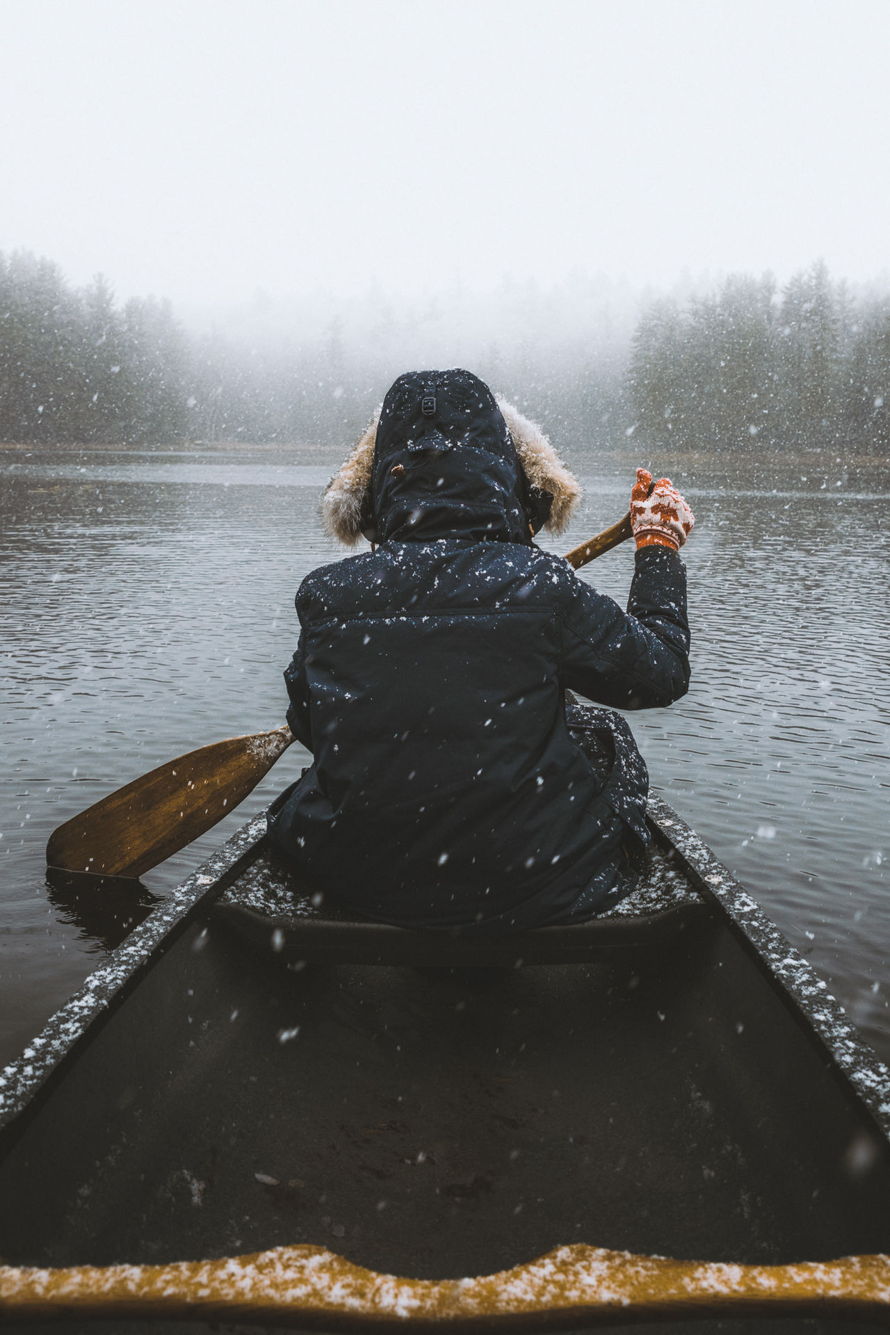 Paddling out in the Adirondack Snow // Adventure Fog One Person Outdoors Warm Clothing Leisure Activity Nature Water Beauty In Nature Oar Nature Winter Scenics Adirondack Mountains Snowing Canoe Best Shots EyeEm Rear View Non Urban Scene People Outdoors Photograpghy  Lifestyles Cold Temperature Beauty In Nature Environment