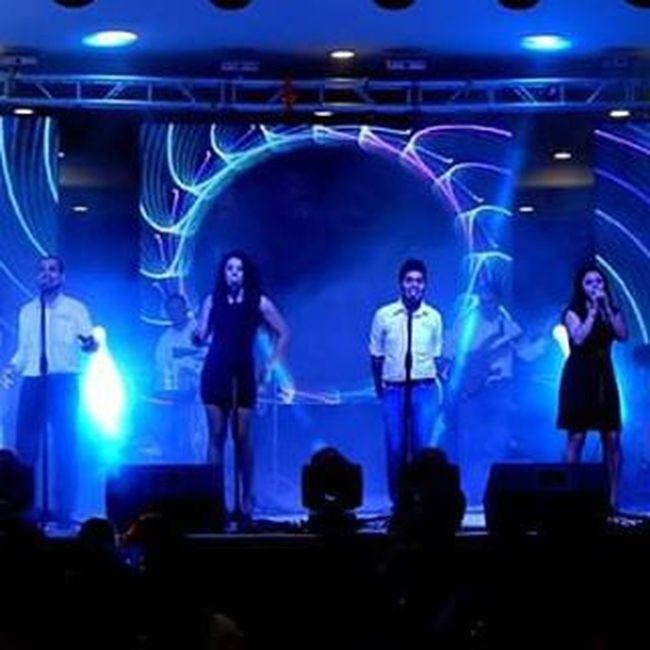 Música y acción!! / Music... Go!! Music Musica Stage Singer  Singing Mexico GrupoVoga Voga Show Dancing Gayselfie Gaybeard Instaboy Instafollow