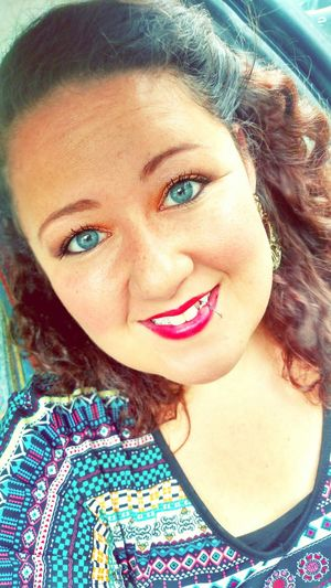Just a little selfie fun on this gloomy day💝☔ Selfienation Love Droidography YOUnique Eyebrowsonfleek Makeup BlueEyes BrownHairDontCare ThatsMe Selflove