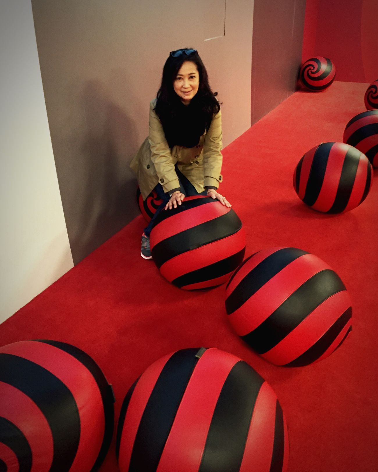 At Casa Milan Daytripout Europe Holiday  Taking Photos Hanging Out That's Me Play With The Balls Casa Milan Just Me Enjoying Life Relaxing Enjoying The Moment Beautiful Place Red Black