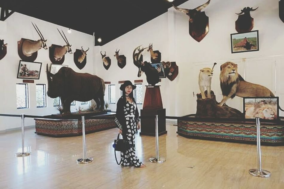 Art And Craft Creativity Arts Culture And Entertainment Museum Oil Painting Full Length Occupation Front View Standing Womanselfie