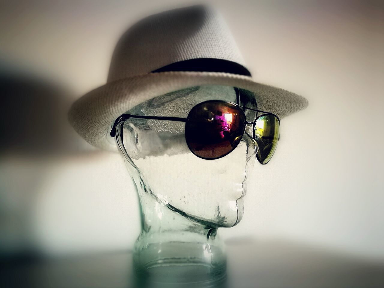 Indoors  Close-up Sunglasses Sunglasses👓 Sunglass  Sunglasses ✌👌 Sonnenbrille Hut Strohhut EyeEmNewHere Huaweiphotography Huawei P9 Leica HuaweiP9 Glass Glaskopf Lieblingsteil