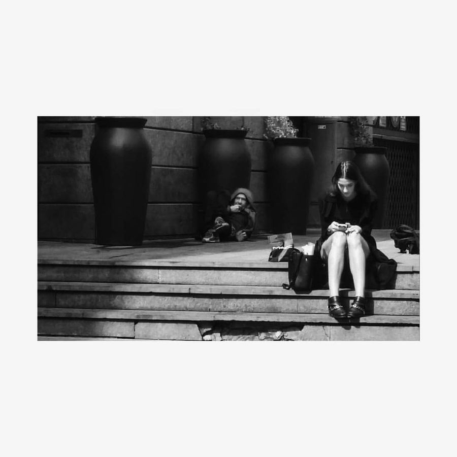 Full Length Women Beauty Adult Day Outdoors Adapted To The City EyeEmNewHere Monochrome Bw Bn Milano Milanocity Milano Italy Milan Milan,Italy Milano Blackandwhite Milanofashionweek Milanobella Milanodaclick Dolce&gabbana Modella Homeless Senzatetto