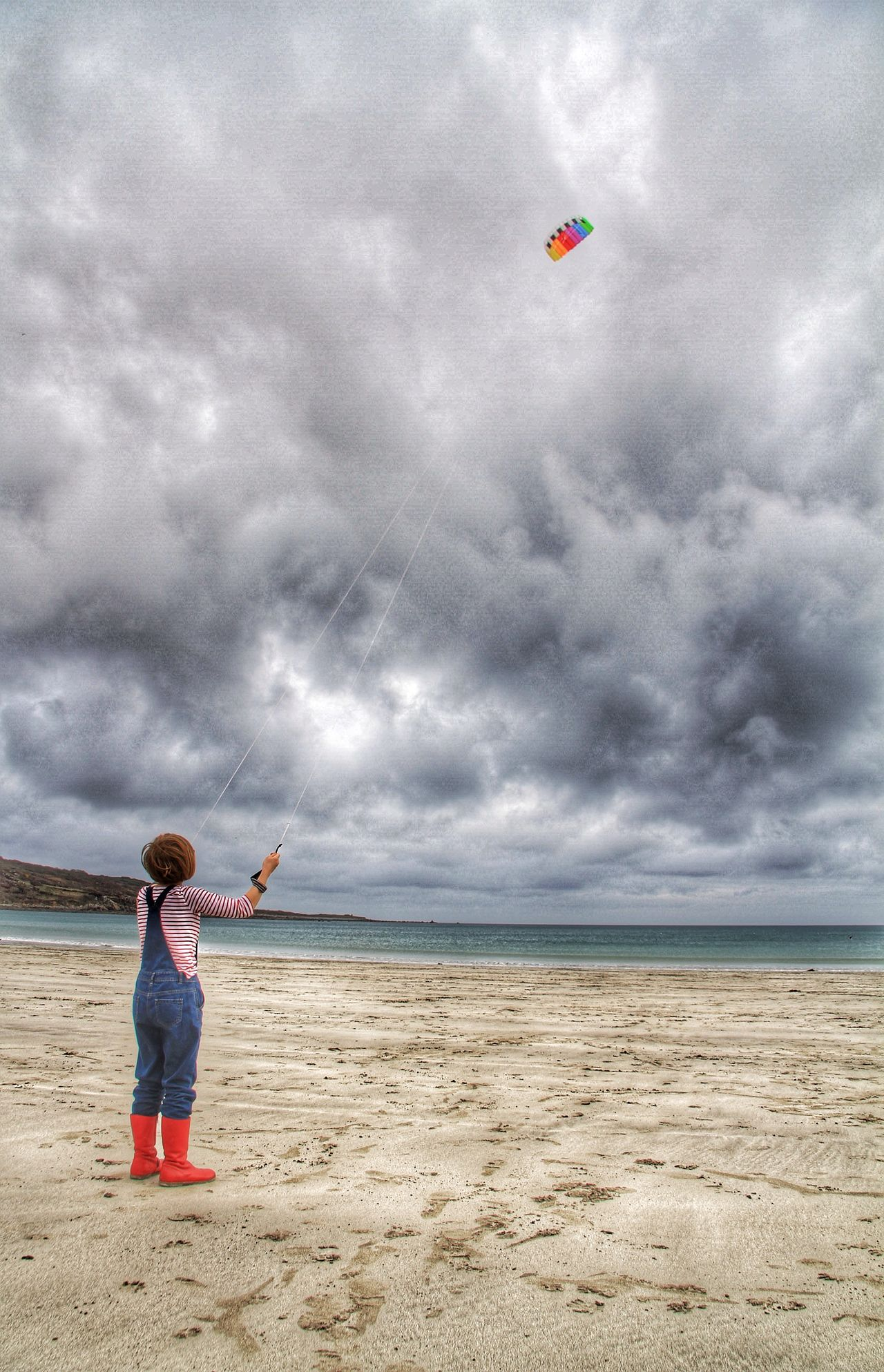 Beach Beachphotography Life Is A Beach Kite Kite Flying Flying A Kite Girl Young Girl Wellies  Cornwall Wind Windy Windy Day Fun Leisure Activity Kids Being Kids Kids Playing