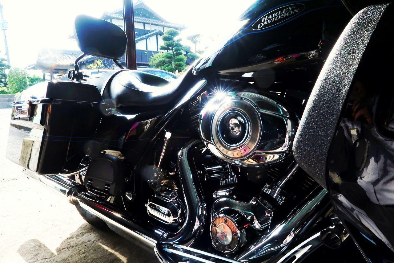 ハーレー ハーレーダビッドソン オートバイ アメリカン バイク 機械 ピカピカ Harley Davidson Roadglide Motorcycle Machine American Car Transportation Mode Of Transport Land Vehicle Luxury Close-up 写真好きな人と繋がりたい Road Beautiful Machine Beautiful 写真撮ってる人と繋がりたい EyeEm EyeEm Gallery
