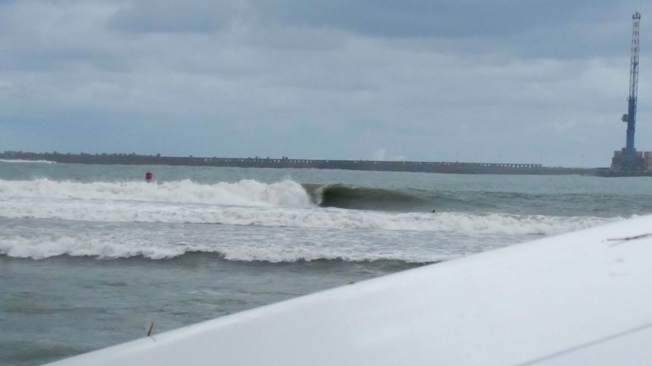 heres the machine. my favorite. this is my favorite in my most favorites of wave where i from. and we get planny world class waves. yup the machine is 1. and this pic isnt even close to its perfect. My Back Yard