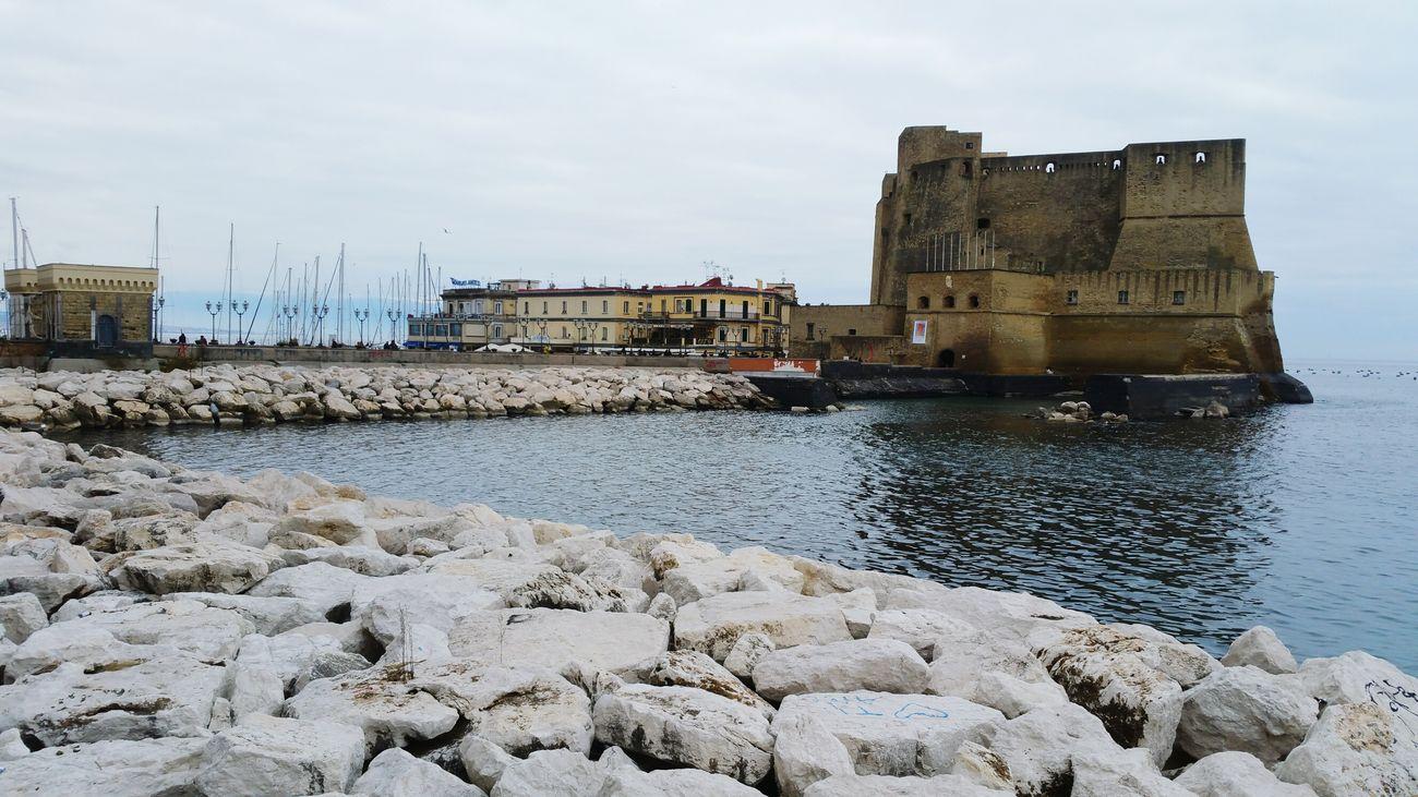 Napoli Castel Dell'ovo Pomeriggio Via Caracciolo Nuvoloso