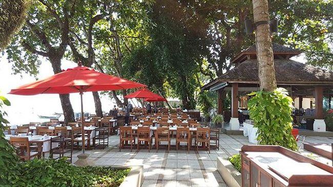 Phuketisland Entrance Picsoftheday Photooftheday Igersmalaysia Igersmalaysian Igers Likeforlike Likes4likes L4likes L4l Thairestaurant Gardenrestaurant Bythepier