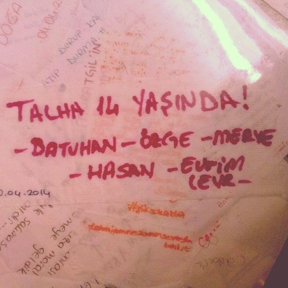 Yov yov Waffle !! With @nilevrim0318 @nrozge ve Batuhan Hasan bide talha edemwaffle karsiyaka yaksamlar dilerim