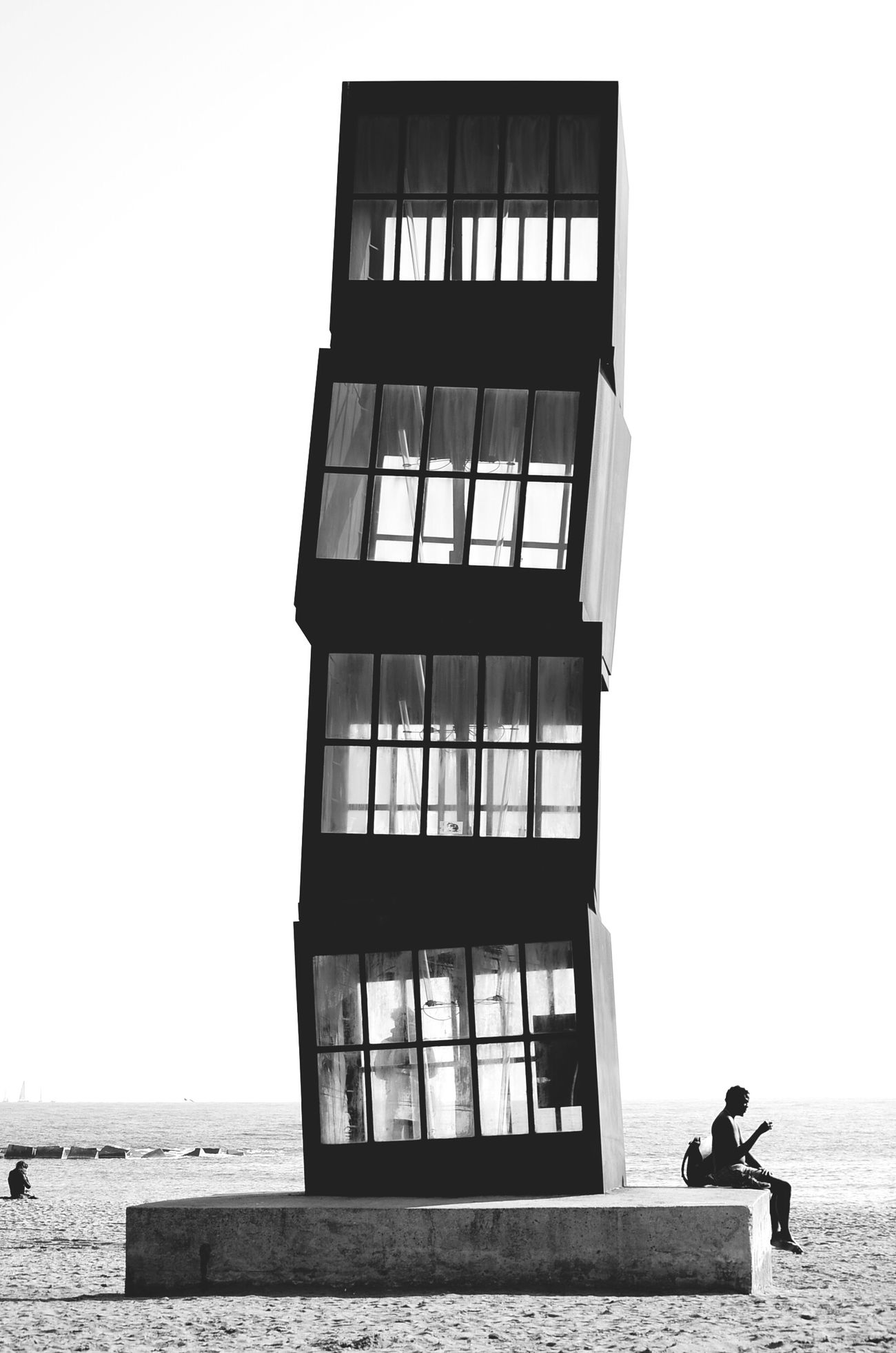 La vida entre cubos... Barcelona Streetphoto_bw Bnw Minimalobsession Minimalism Beachphotography Black & White Hello WorldTheMinimals (less Edit Juxt Photography) EyeEm Best Shots
