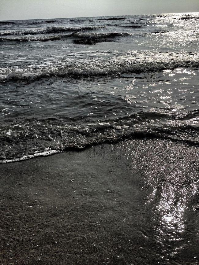 Enjoying The Sun Getting In Touch Relaxing Getting Inspired Beach EyeEm Best Shots Enjoying The Sun Summer Sea Water Reflections