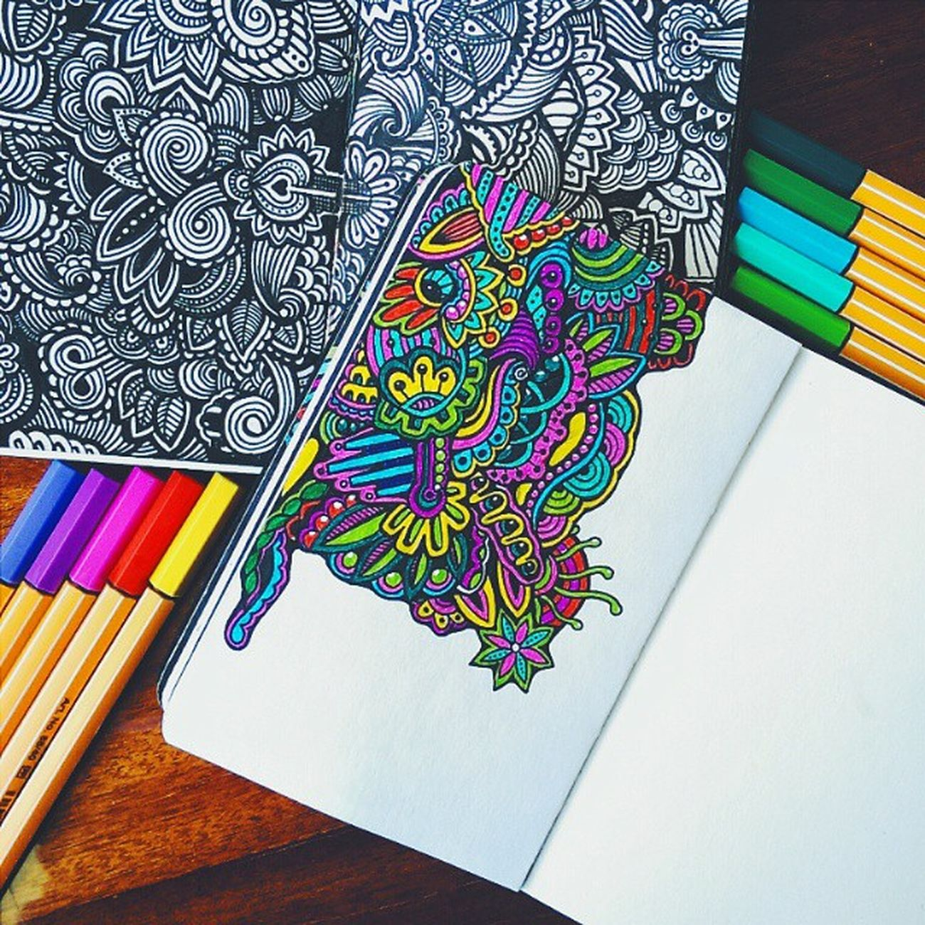 рисунок узоры линеры графика doodle doodling doodleart drawstagram drawing art linework liners painting paint скетчбук sketchbook artwork zentangle zendoodle topcreator artist художник авторскаяработа рисую рисование elenayoox ink wonwalls art_we_inspire art_public для @art_public