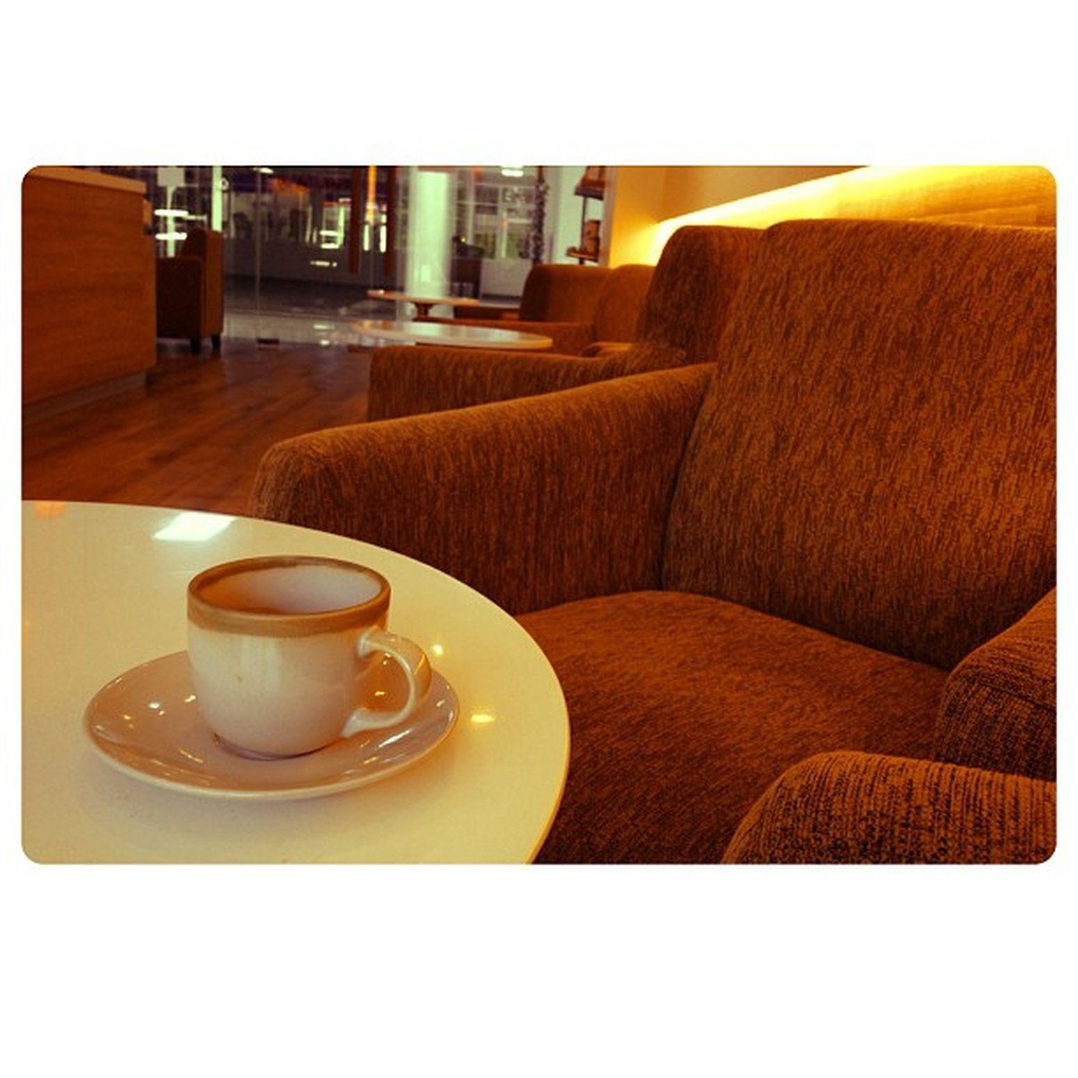 มารอฟันหมอ เอ้ยมารอหมอฟัน😜Friday Coffee Hotcoffee Doitungcoffee Coffeeshop BBKK Bangkok Thailand Coffeeaholic