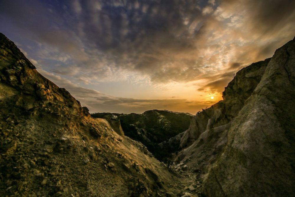 sunset #sun #clouds #skylovers #sky #nature #beautifulinnature #naturalbeauty photography landscape The KIOMI Collection