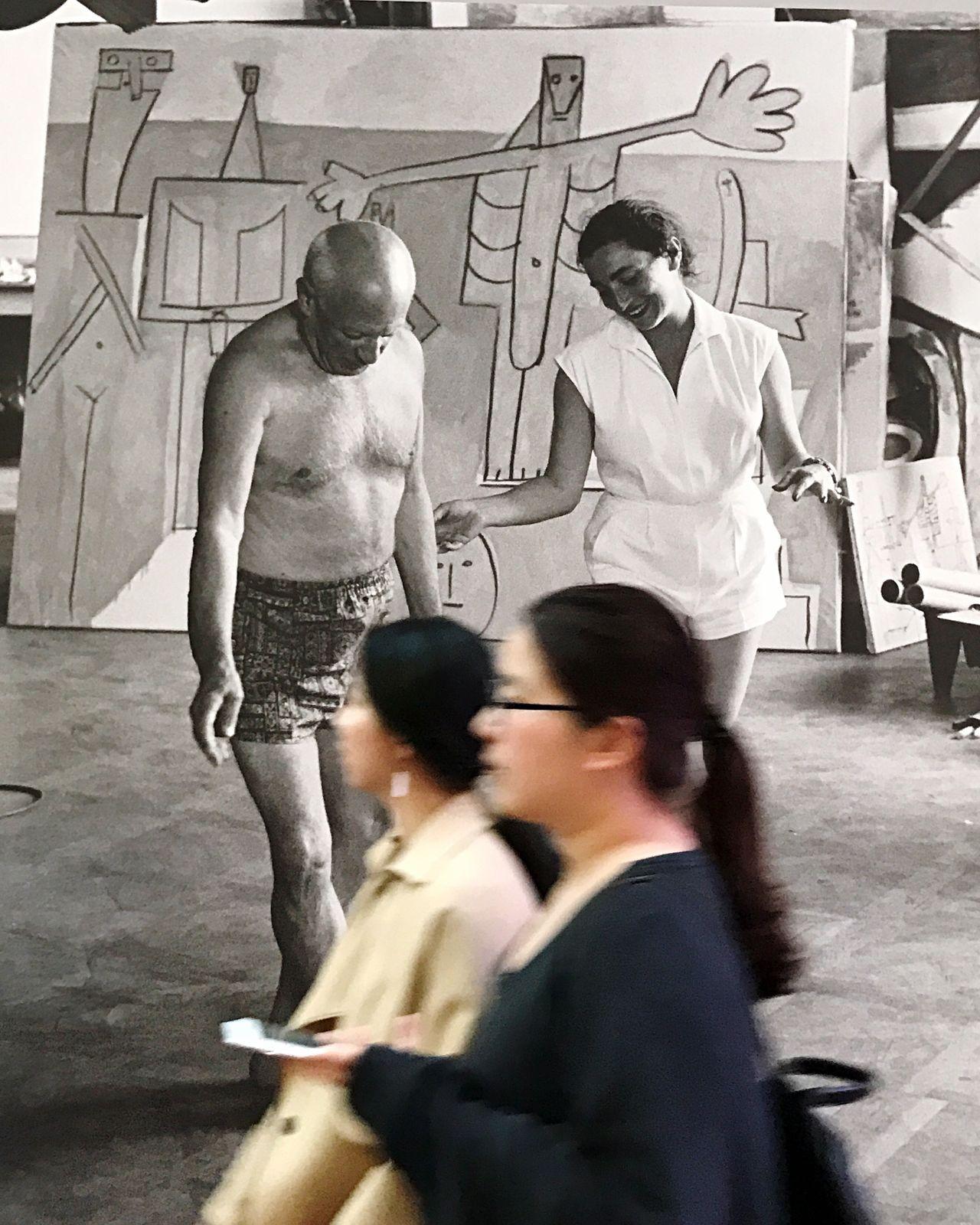 Blackandwhite Colorpop | Picasso & Jacqueline Roque Exhibition