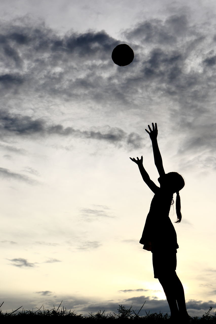 silhouette, skill, cloud - sky, leisure activity, sky, mid-air, sunset, one person, real people, motion, ball, outdoors, low angle view, standing, sport, young adult, day, people