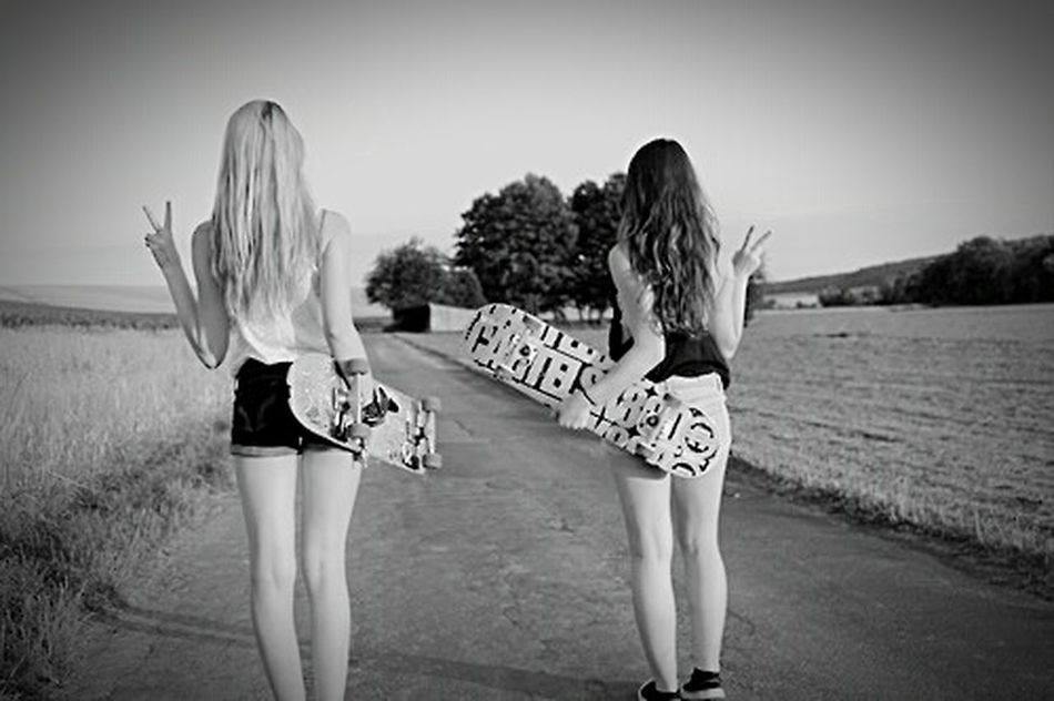 Skateboarding Skate Blavkandwhite Blackandwhite Photography Skategirls Sexygirls SkateboardLifeStyle