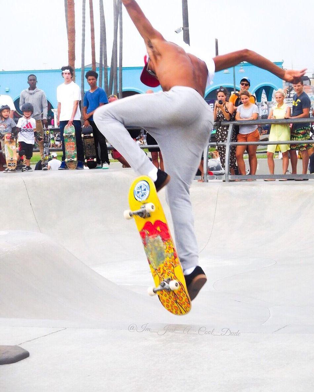 Venice Beach Skatepark Venicebeachskatepark Skateboarding SkateboardLifeStyle Skateboardingisfun Skateboardphotography Talented Catching Air
