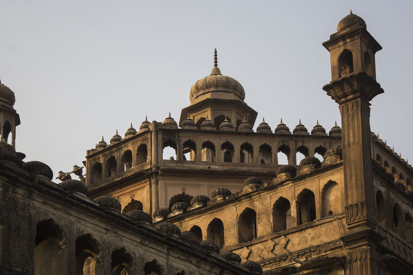 EyeEm Selects Architecture Travel Destinations Tourism Built Structure History Travel Outdoors Shapes Geometry Roomi Gate Of Lucknow, Up, India Lucknow👌City Lucknowdiaries Lucknow Diaries Architecture Pattern Travelling No People Dome Gateway Arch Day