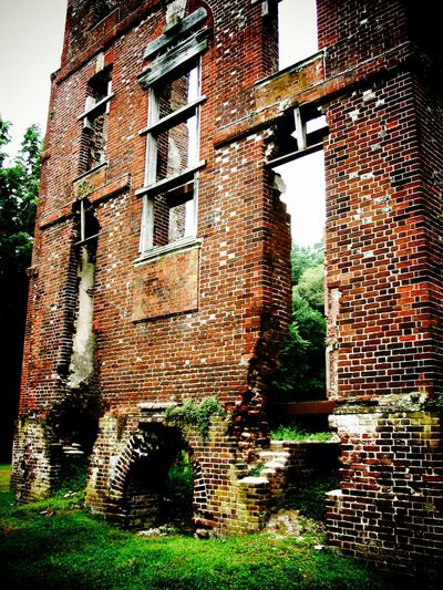 The Ruins of Rosewell Architecture Brick Wall Building Building Exterior Built Structure Day Exterior Grass Green Color Growth Historical Building Ivy Nature No People Old Outdoors Rosewell Mansion Ruin Sky Stone Wall The Past Tree