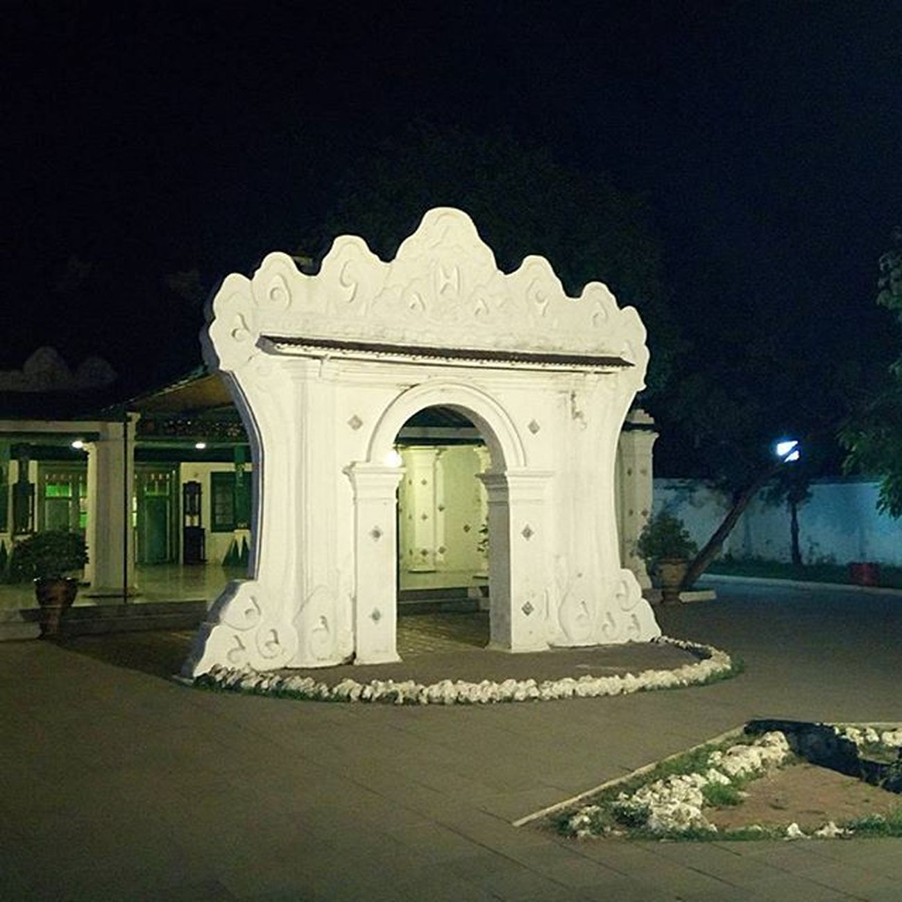 the 600 hundred year old gate long life the Sultanate Sefo  Nyribon Nyiremai