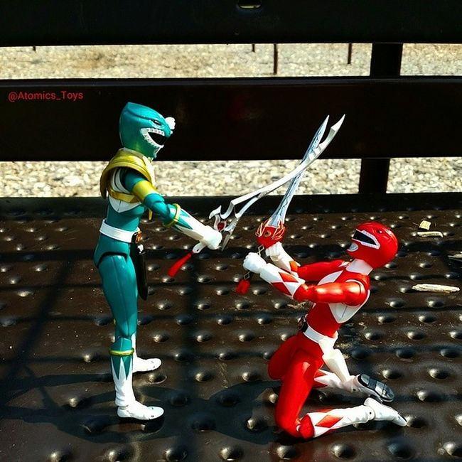 GreenRanger vs. REDRANGER . MMPR continuation from the stand off picture from yesterday. Toys Toyphotography Figurephotography Toyuniverse Toys4life Toyfriends Toyrevolution Toyunion Toyslagram Toygroup_alliance Toyfusion