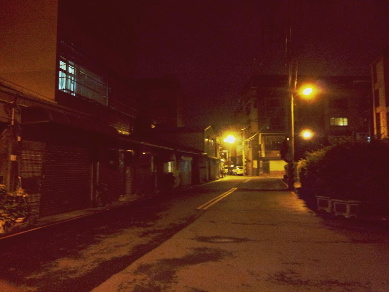 從小走到大的巷弄,連眷村的家都不見了~留下的只有帶不走的記憶與人事全非的寂寞。Where is home?! Streetphotography Nightphotography LongWaysFromHome Light And Shadow