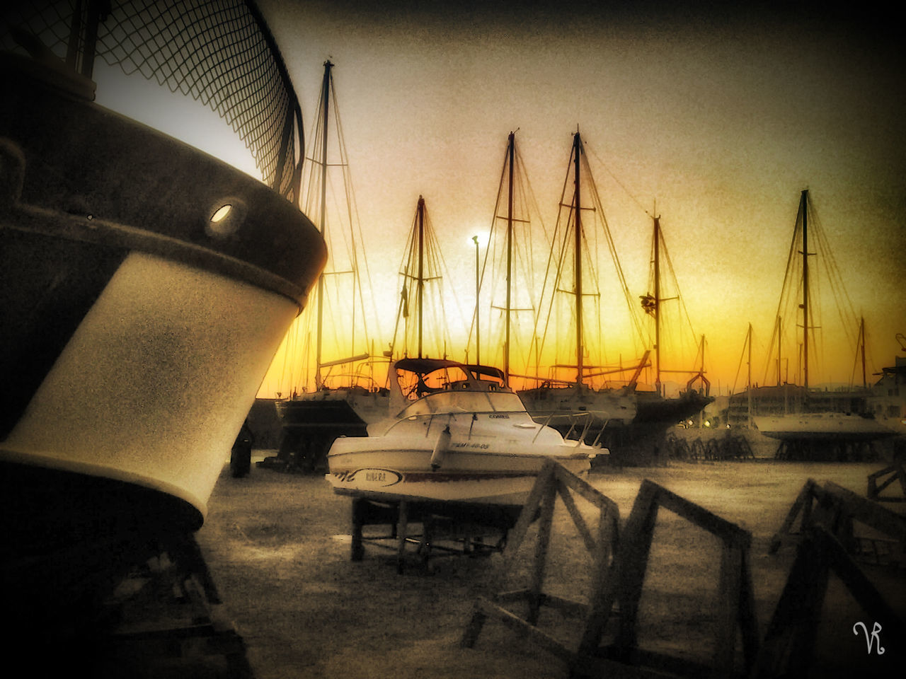 Almeriaturismo Almerimar Almería Barco Atardeceres Sunset_collection Cielo Barcos PuertoDeportivo Black And White And Color