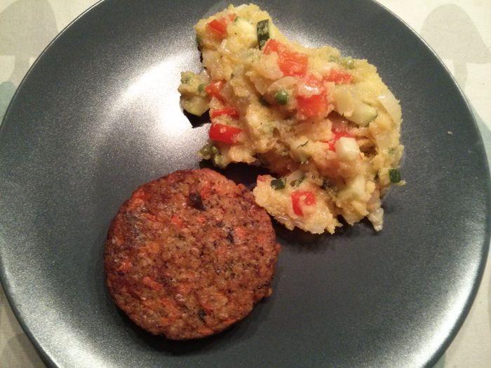 Polenta with sautéed veggies & lentil burger Dinner Vegan World Vegetarian Day Wereld Veggie Dag