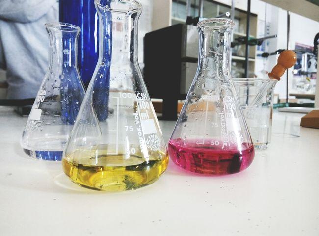 Quimica Quimic Laboratory Laboratorio Yellow Pink Photography Photo