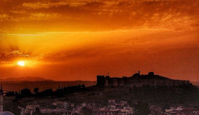 Sunset #sun #clouds #skylovers #sky #nature #beautifulinnature #naturalbeauty #photography #landscape Sunset Silhouettes Sun_collection, Sky_collection, Cloudporn, Skyporn Sunset_collection EyeEmBestPics