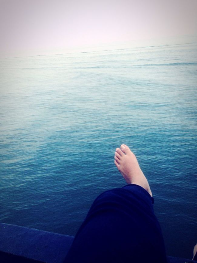 First Eyeem Photo Ocean Oceanview Sunny Day Blue Sea Blue Water Feetselfie Ocean Photography Oceanographic Islandindonesia Colours