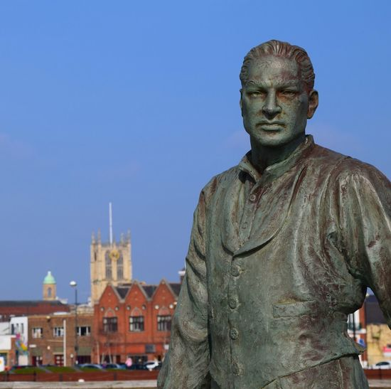 Hull Hull 2017 City Of Culture 2017 Statue History Maritime Marina Humber Quays Skyline