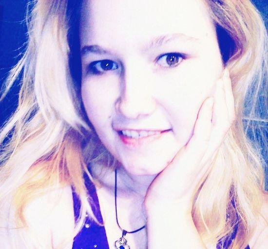 FELIIICIDADE That's Me Me Now  Selfie ✌ Pretty♡ Pretty Girl Selfportrait Happiness Love Good Night World ♥♥♥⭐?✨⭐????????????????❤??