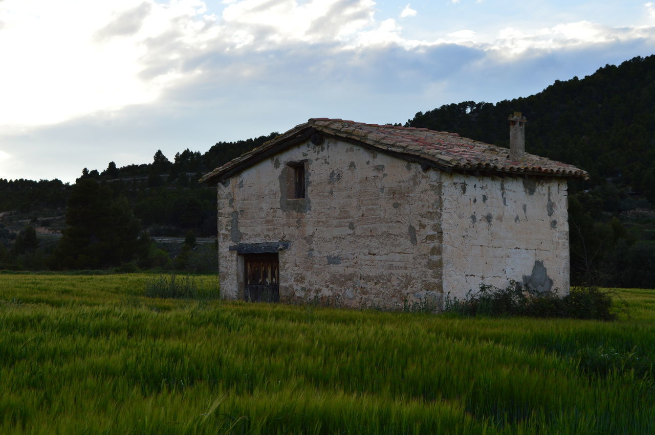 Abandoned Buildings Abandoned House Abandoned Places Architecture Barn Building Exterior Built Structure Cloud - Sky Field Grass Grassy Green Color Growth House On The Hill Landscape Nature Nature Photography Nature_collection Naturelovers Naturephotography Old Old Buildings Plant Rural Scene Sky