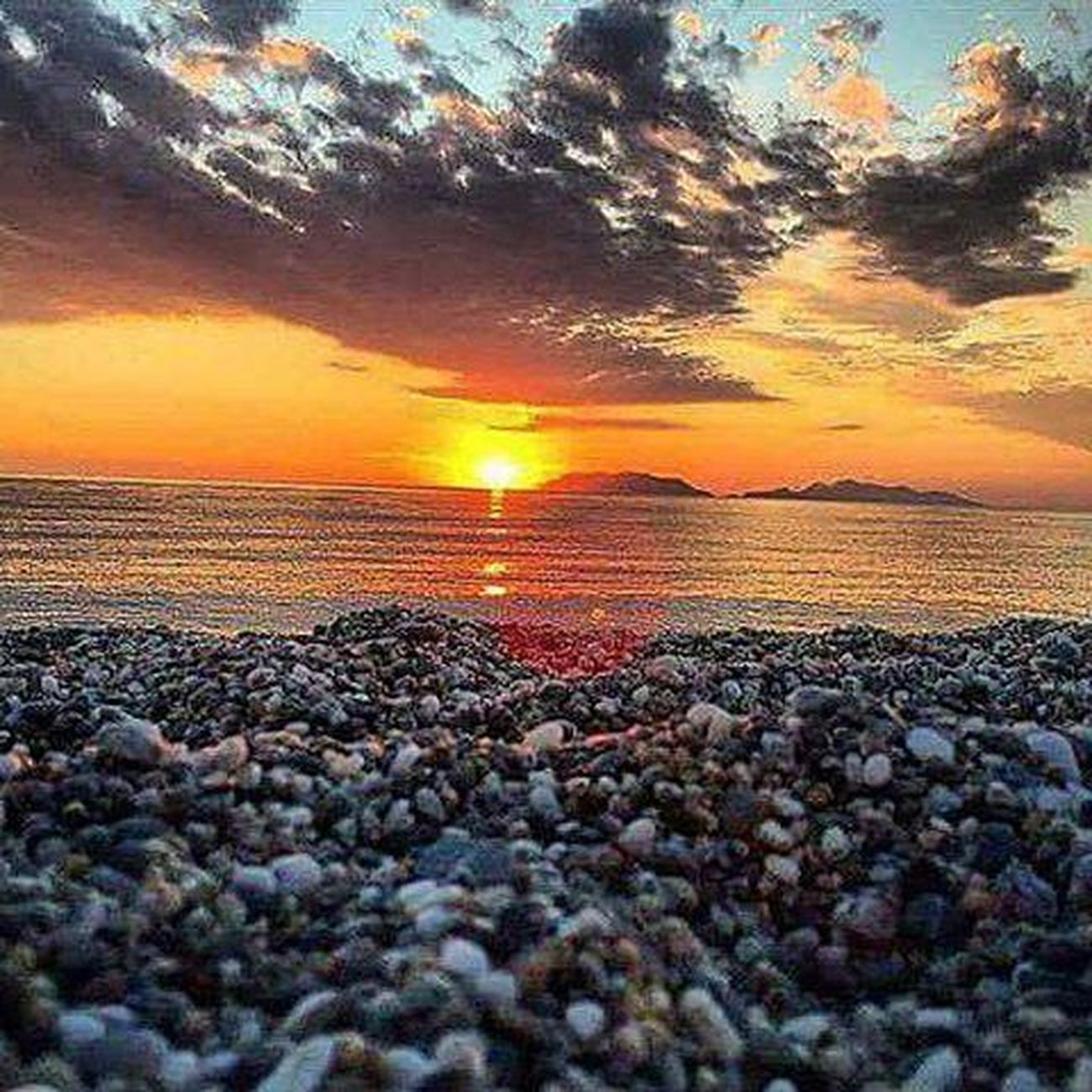 "Wonderful sunset! Milazzo Sunset Tramonto Summer ""PuertadelSol WhatElse Sun Beach Tono Relax Beautiful Lovesicily Nofilter Nocrop Nature Fotogrammi Follow Perspective Sol Naturelovers Nocrop Life Live Posting Vista made pic photoofday follow picture"